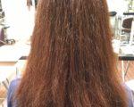 髪の表面のチリチリ